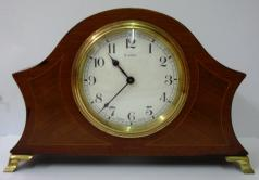 French 8 day mantel clock timepiece circa 1920 by Bayard, with boxwood inlay and marquetry panels